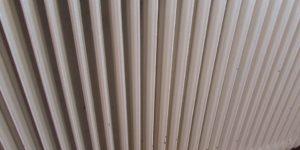 cubrir los radiadores no es una buena idea para ahorrar en calefaccion
