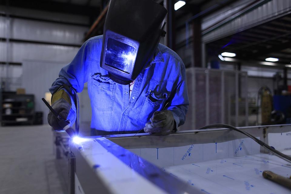 herreros en donostia que hagan barandillas de inox, escaleras metálicas, cerramientos de hierro y vidrio.
